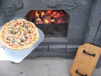 dozenroses pizza